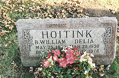 Grave of B.W. and Delia Hoitink.