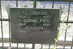 Grave of Harmen Jan Boom, Dela Piek and their daughter Daatje Boom.