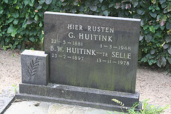 Grave of Gerrit Huitink and Berendina te Selle.