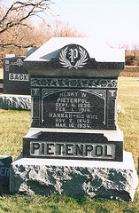 Grave of Henry W. and Hannah Pietenpol in Sheboygan, WI.